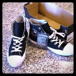 Converse *brand new*